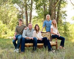 Family Posing On Chair | Utah Family Photographer: Large Family Photography: The Roskelley's ...