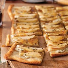 Balsamic-Fig Glazed Pear Flatbread Perfect for book club or movie night, this flatbread is a flavorful and easy appetizer to serve up. Feel free to mix and match your favorite toppings, but try this Balsamic-Fig Glazed Pear version first. You won't regret Book Club Menu, Book Club Snacks, Book Club Food, Appetizers For Party, Appetizer Recipes, Great Recipes, Favorite Recipes, Easy Recipes, Oui Oui