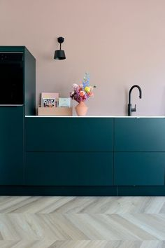 Small Modern Kitchens, Modern Kitchen Design, Home Kitchens, Interior Design Inspiration, Decor Interior Design, Interior Styling, Diy Décoration, Home Room Design, House Rooms