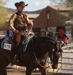 We recommend using Working Ranch Horse or Working Cow Horse patterns (minus the multiple spins) for pageant horsemanship patterns. Horse Show Mom, Show Horses, Horsemanship Patterns, Horse Videos, Rodeo Queen, Horse Pattern, Western Pleasure, All About Horses, Horse Tips