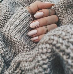 Discovered by Svetlana 700. Find images and videos about nails, Nude and winter on We Heart It - the app to get lost in what you love.