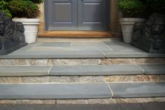 NOTE: Great example of smooth edged stair treads with blue stone Steps with reclaimed stone veneer and Pennsylvania bluestone treads. This is what David suggested for your front entrance. Patio Steps, Garden Steps, Outdoor Steps, Garden Paths, Front Porch Steps, Front Stairs, Front Walkway, Front Stoop, Front Entry