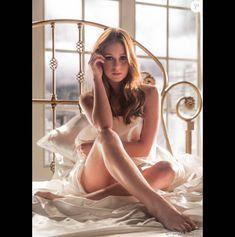 Marina Ruy Barbosa é elogiada por cena de ensaio nu de Eliza em 'Totalmente Demais' nesta sexta-feira, dia 11 de março de 2016
