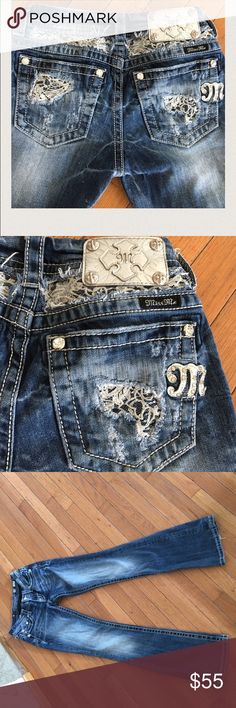 """Miss Me Silver Lace 31"""" inseam. Has all hardware. Nice sparkly lace insets and distressed look.  One pant leg has a 1"""" wear.  Thick denim. Signature ride boot Miss Me Jeans Boot Cut"""