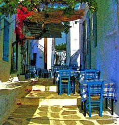 Στα στενοσόκακα, στα ταβερνάκια στις κληματαριέςεκεί να κάτσουμε κάτω απ τις δροσερές τις ξαστεριές.  Mοσχοβολιές του Αιγαίου ~ Αegean fragrances  Colours of Greece