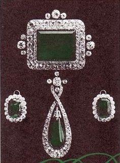 Grand Duchess Vladimir's Emerald Pendant and Earrings