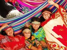 The Wayuu of Northern Columbia and Northwest Venezuela  Google Image Result for http://4.bp.blogspot.com/-Yl01C6SuS1o/Tc2u0yso85I/AAAAAAAAABI/RwVgrK1rt3E/s1600/wayuu-el-presente.jpg