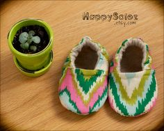Ikat Zig-Zag Chevron Baby Booties!! With Eco-Friendly Liners