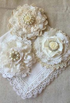 ideas about Shabby Chic Fabric Flower Brooch, Fabric Flower Tutorial, Fabric Roses, Fabric Ribbon, Cloth Flowers, Burlap Flowers, Lace Flowers, Shabby Chic Flowers, Shabby Chic Fabric