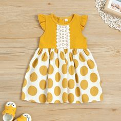Ruffle-sleeve Polka Dots Dress for Baby and Toddler Girl Frocks For Girls, Toddler Girl Outfits, Little Girl Dresses, Toddler Dress, Kids Outfits, Toddler Sewing Patterns, Baby Dress Patterns, Pattern Sewing, Free Pattern