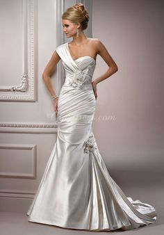 Sweetheart Sleeveless Satin Mermaid/Trumpet Court Train Wedding Dress With Flowers picture 1