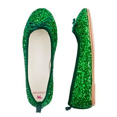 I have a pair of flats very much like these, but in burgundy, and i love how it sparkles XD