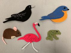 Based on the book The Wise Blackbird by Ann Gazikowski Caterpillar Pictures, Pete The Cats, Felt Boards, Flannel Friday, Flannel Boards, Sequencing Activities, Author Studies, Eric Carle, Circle Time