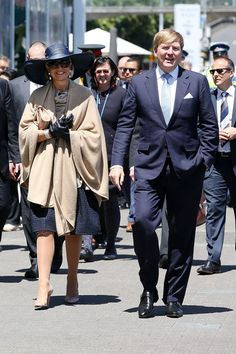9 November 2016 - Royal tour to New Zealand (day 3) - dress by Natan (recycled), shoes by Natan