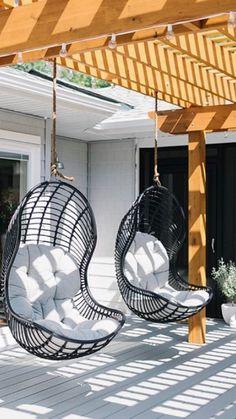 Backyard Chairs, Backyard Patio Designs, Hanging Egg Chair, Swinging Chair, Garden Hanging Chair, Garden Swing Chair, Outdoor Seating, Outdoor Chairs, Outdoor Hanging Chair