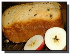 Suroviny dáme do pekárny (tekuté, sypké) a zapneme program Sladký (nebo jiný, určený k přípravě a pečení kynutého sladkého bochníku), pokud...