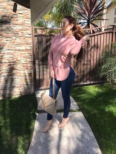 Kenia ontiveros ootd IG: keniaontiverosoficial Source by siguiera ontiveros outfits Actrices Hollywood, Famous Stars, Casual Chic Style, Fashion 2020, Everyday Outfits, Ootd, Sporty, Clothes For Women, My Style