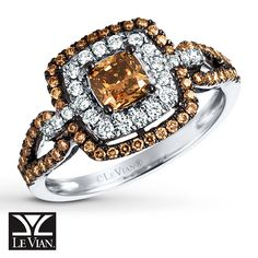Luscious Chocolate Diamonds® and sweet Vanilla Diamonds® frame the Chocolate Diamonds® center stone with luxurious color and brilliance in this 14K Vanilla Gold® ring.