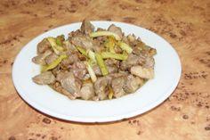Pierna de cordero frita con ajos
