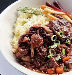 A delicious dinner recipe for Fall-off-the-bone Oxtail served with cauli mash Ingredients 15 ml olive oil. kg oxtail. Delicious Dinner Recipes, Healthy Recipes, Meat Recipes, Fall Recipes, Slow Cooker Recipes, Cooking Recipes, Recipies, Curry Recipes, Oxtail Recipes Crockpot