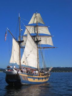 Hawaiian Chieftain in calm winds. #travel #sailing #ships http://historicalseaport.org/