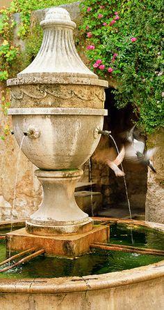 fuente de agua... sobrevolada