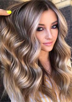 Fall Blonde Hair Color, Fall Hair Colors, Cute Hair Colors, Blonde Hair With Highlights, Beautiful Hair Color, Brown Blonde Hair, Hair Color And Cut, Brunette Hair, Hair Colors For Blondes