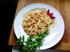 Receta de pasta fresca Lagane o Lavane con guiso de Garbanzos - Pasta with chickpeas. Italian food, italian recipes, cocina italiana, comida italiana