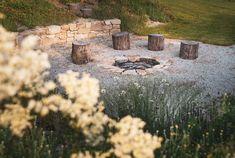 Zahrada zvlněná   Atelier Flera Boxwood Garden, Fire Pit Area, Outdoor Spaces, Outdoor Decor, Forest Park, Garden Projects, Scandinavian Design, Garden Landscaping, Gardening Tips