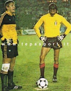 Milan AC Pieter Schrijvers ed Enrico Albertosi ... ⚽️ C'ero anch'io ... http://www.casatepa.it/  Made in Italy dal 1952