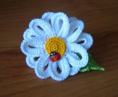 this is one of the cutest little yarn flowers I have seen.Pattern is there. Love Crochet, Irish Crochet, Crochet Motif, Beautiful Crochet, Crochet Daisy, Crochet Diagram, Yarn Flowers, Knitted Flowers, Crochet Flower Patterns