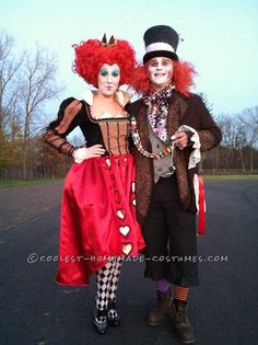 Halloween 2012 Coolest Homemade Costume Contest Runner-Up. Red Queen and Mad Hatter couple costume submitted by Kirby from Grand Rapids, MI. Geeky Halloween Costumes, Hallowen Costume, Halloween Costume Contest, Halloween Kostüm, Halloween Couples, Group Halloween, Homemade Halloween, Halloween Makeup, Homemade Costumes