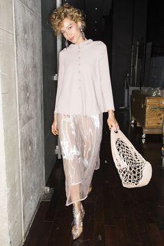 Giorgio Armani Spring 2019 Ready-to-Wear Fashion Show Fashion 2020, Runway Fashion, Fashion Show, Fashion Design, Fashion Trends, Fashion Stores, Discount Designer Clothes, White Fashion, Giorgio Armani