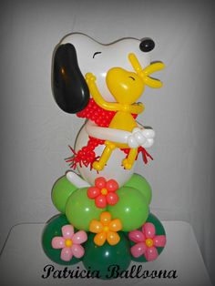Big hug from Snoopy | Balloon sculpture by @patballoona