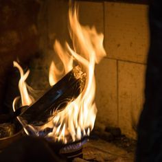 Eine Hamamschale aus Kupfer wird verzinnt. Concert, Copper, Recital, Festivals