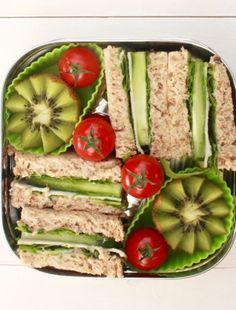Zo maak je de #lunchtrommel voor je kind mooier (en stiekem ook gezonder). #recept #tips #broodtrommel #overblijven #nederlandse #recepten