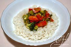 Gemüsewok mit asiatischer Soße von noz!