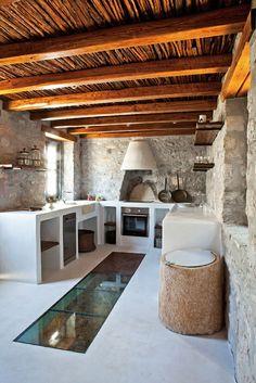 Moderne Landhausküchen Steinwand Dach Holz