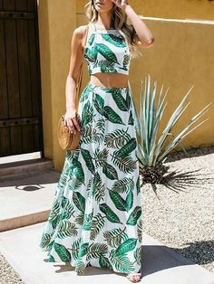 Green leaf print chic women crop cami top and high waist maxi skirt Mode Outfits, Skirt Outfits, Tropical Outfit, Cami Crop Top, Crop Tops, Summer Outfits, Summer Dresses, Floor Length Dresses, Fashion Mode