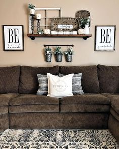 33 Charming Rustic Living Room Wall Decor Ideas for a Fabulous Relaxing Space - The Trending House Small Living Room Design, Living Room Modern, My Living Room, Living Room Designs, Tiny Living, Living Area, Simple Living, Living Room Remodel, Room Wall Decor