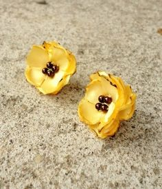 YELLOW FLOWER EARRINGS Brown Stud Post Tiny Small by stephanieh02,
