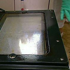 Come pulire un forno davvero incrostato: i consigli e rimedi di Case da incubo