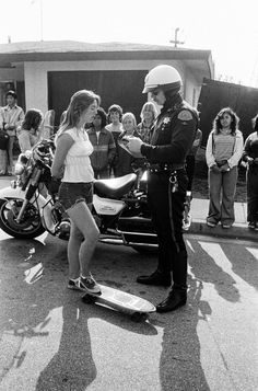Fast and furious: California's first roller girls and skateboarders - in pictures - skateboard girl - Fast And Furious, Girls Skate, Skater Tattoos, Vintage Skateboards, Skate Style, Surf Style, Hermosa Beach, Skateboard Girl, Longboarding