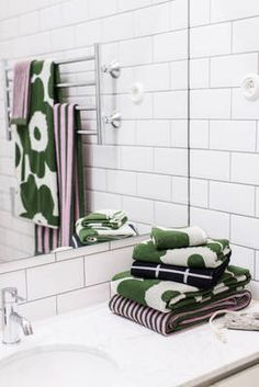 Marimekko Home S/S 2016 press event Bathroom Design Inspiration, Home Decor Inspiration, Dream Bathrooms, Amazing Bathrooms, Laundry Room Bathroom, Bathroom Ideas, Green Interior Design, Hawaiian Decor, Marimekko