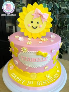 1st Birthday Girl Decorations, 1st Birthday Party For Girls, 1st Birthday Themes, Birthday Celebration, Sunshine Birthday Cakes, Sunshine Cake, Baby Birthday Cakes, Sun Cake, Fondant