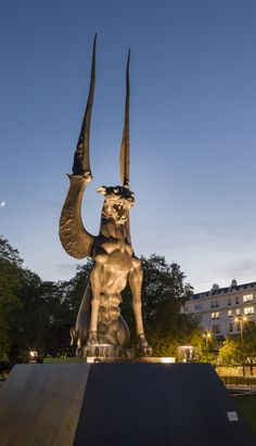 She Guardian, London, England http://ihorror.com/hellish-new-statue-unveiled-in-london-what-were-they-thinking/