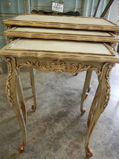 Versailles and Old White.French Nesting Tables - painted with Annie Sloan Chalk Paint - colors used are listed on the post. Annie Sloan Chalk Paint Furniture, Annie Sloan Chalk Paint Colors, Outdoor Dining Furniture, Painted Furniture, Painted Nesting Tables, Furniture Makeover, Diy Furniture, Furniture Inspiration, Shabby Chic Furniture