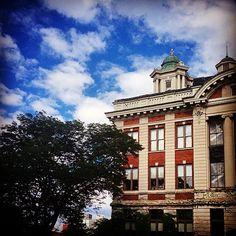 Lyman Hall (Instagram photo by @kellylux)