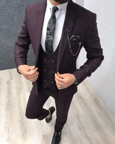 Who said men's suits had to be simple and boring? Add some color to your wardrobe with this gorgeous dark burgundy suit! Have your very own custom made in our Giorgenti New York private showroom! Maroon Suit, Burgundy Suit, Dark Red Suit Men, Black Suits, Blazer Outfits Men, Blazer Vest, Dress Vest, Slim Fit Tuxedo, Slim Fit Suits
