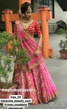Trendy hair styles indian navratri - New Site Indian Bridal Outfits, Indian Bridal Hairstyles, Indian Bridal Lehenga, Indian Bridal Fashion, Indian Bridal Wear, Indian Designer Outfits, Indian Dresses, Bridal Dresses, Braided Hairstyles